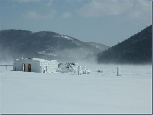 地吹雪と露天風呂